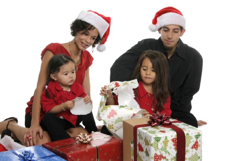 istock_000007493682medium-christmas-family